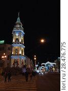 Купить «Nevsky Prospect with Christmas illumination», фото № 28476775, снято 27 декабря 2015 г. (c) EugeneSergeev / Фотобанк Лори