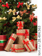 Купить «Christmas Tree and Christmas gift boxes», фото № 28484563, снято 19 января 2013 г. (c) Ingram Publishing / Фотобанк Лори