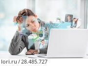 Business woman surfing on web with modern laptop. Стоковое фото, фотограф Kirill Kedrinskiy / Ingram Publishing / Фотобанк Лори