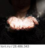 Woman sharing her warmth. Стоковое фото, фотограф Kirill Kedrinskiy / Ingram Publishing / Фотобанк Лори