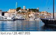 Купить «Old Port of Cannes», фото № 28487955, снято 3 декабря 2017 г. (c) Яков Филимонов / Фотобанк Лори