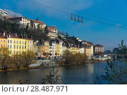 Купить «French Alps and Grenoble cable car in autumn, France», фото № 28487971, снято 7 декабря 2017 г. (c) Яков Филимонов / Фотобанк Лори