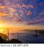 San Francisco Golden Gate Bridge sunrise California USA from Marin headlands (2013 год). Стоковое фото, фотограф Tono Balaguer / Ingram Publishing / Фотобанк Лори