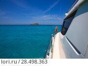 Bledes Bledas Ibiza islands view from boat side in Balearic Mediterranean (2013 год). Стоковое фото, фотограф Tono Balaguer / Ingram Publishing / Фотобанк Лори