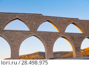 Morella aqueduct in Castellon Maestrazgo at Spain blue sky (2007 год). Стоковое фото, фотограф Tono Balaguer / Ingram Publishing / Фотобанк Лори