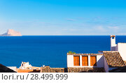 Altea old village in white whitewashed typical Mediterranean at Alicante Spain (2014 год). Стоковое фото, фотограф Tono Balaguer / Ingram Publishing / Фотобанк Лори