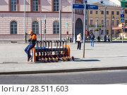 Купить «Прокат электросамокатов. Москва», фото № 28511603, снято 2 июня 2018 г. (c) Владимир Макеев / Фотобанк Лори