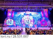 Купить «Новогоднее представление в Гостином дворе. Москва», эксклюзивное фото № 28531007, снято 3 января 2014 г. (c) Алёшина Оксана / Фотобанк Лори