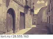 Купить «street at old spanish town. Calaceite», фото № 28555163, снято 11 мая 2016 г. (c) Яков Филимонов / Фотобанк Лори