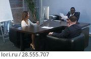 Купить «African businessman signing employment contract in office during the meeting», видеоролик № 28555707, снято 11 мая 2017 г. (c) Vasily Alexandrovich Gronskiy / Фотобанк Лори