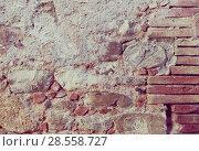 Купить «Breakable stone wall», фото № 28558727, снято 20 июля 2018 г. (c) Яков Филимонов / Фотобанк Лори
