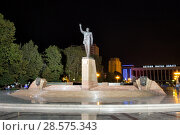 Купить «Памятник Гейдару Алиеву в центре Баку на Зимнем бульваре. Азербайджан», фото № 28575343, снято 25 сентября 2017 г. (c) Евгений Ткачёв / Фотобанк Лори