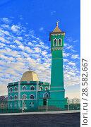 Купить «The northernmost mosque in the world Nurd Kamal», фото № 28582667, снято 9 июня 2018 г. (c) Александр Сергеевич / Фотобанк Лори