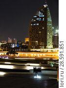 Купить «Ночной вид на Trump Tower Baku. Баку. Азербайджан», фото № 28591851, снято 24 сентября 2017 г. (c) Евгений Ткачёв / Фотобанк Лори