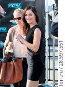 Elizabeth Hurley William Moseley and Alexandra Park seen at Universal... (2016 год). Редакционное фото, фотограф Michael Wright / WENN.com / age Fotostock / Фотобанк Лори