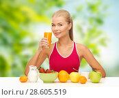Купить «woman drinking fruit juice for breakfast», фото № 28605519, снято 23 марта 2013 г. (c) Syda Productions / Фотобанк Лори