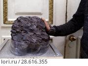 Купить «Фрагмент Сихотэ-Алинского метеорита в Пулковской астрономической обсерватории, Санкт-Петербург», фото № 28616355, снято 21 июня 2018 г. (c) Stockphoto / Фотобанк Лори