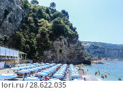 Купить «The beach on Amalfi Coast, Vico Equense. Italy», фото № 28622035, снято 22 июля 2017 г. (c) Николай Коржов / Фотобанк Лори