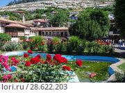 Купить «Территория Ханского дворца в Бахчисарае, Крым», фото № 28622203, снято 10 июня 2018 г. (c) Natalya Sidorova / Фотобанк Лори
