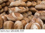 Купить «Фон из хлеба», фото № 28630191, снято 8 июня 2018 г. (c) Наталья Волкова / Фотобанк Лори