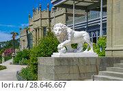 Купить «Лев в Воронцовском дворце в Алупке, Крым, Россия», фото № 28646667, снято 12 июня 2018 г. (c) Natalya Sidorova / Фотобанк Лори