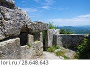Купить «Пещерный город Мангуп-Кале в Крыму», фото № 28648643, снято 9 июня 2018 г. (c) Natalya Sidorova / Фотобанк Лори