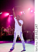 Купить «Boyz II Men and Al B. Sure! performing live onstage at the Pompano Beach Amphitheatre Featuring: Shawn Stockman Where: Pompano Beach, Florida, United States...», фото № 28652247, снято 3 декабря 2016 г. (c) age Fotostock / Фотобанк Лори