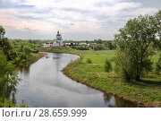 Купить «Picturesque landscape, Kamenka River and Elijah Church on hill, Suzdal, Russia», фото № 28659999, снято 15 мая 2018 г. (c) Юлия Бабкина / Фотобанк Лори