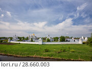 Купить «Panoramic view of Intercession Pokrovsky Monastery on sunny spring day, Suzdal, Russia», фото № 28660003, снято 16 мая 2018 г. (c) Юлия Бабкина / Фотобанк Лори