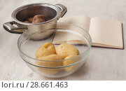 Купить «Potatoes during cooking», фото № 28661463, снято 9 октября 2016 г. (c) Олеся Сарычева / Фотобанк Лори