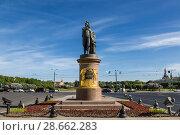 Купить «Памятник Суворову на Суворовской площади в Санкт-Петербурге», фото № 28662283, снято 24 мая 2018 г. (c) Наталья Волкова / Фотобанк Лори