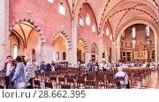 Купить «Vicenza Cathedral is Roman Catholic cathedral in Veneto, Italy», видеоролик № 28662395, снято 16 июня 2018 г. (c) BestPhotoStudio / Фотобанк Лори
