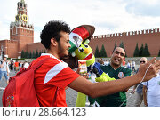 Red Square in Moscow during FIFA world cup. Russia (2018 год). Редакционное фото, фотограф Знаменский Олег / Фотобанк Лори