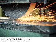 Купить «industrial grinding. finishing metal surface on horizontal grinder machine», фото № 28664239, снято 1 марта 2016 г. (c) Дмитрий Калиновский / Фотобанк Лори