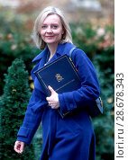 Купить «Elizabeth Truss, Lord Chancellor and Secretary of State for Justice, attending the weekly Cabinet meeting at 10 Downing Street, London. Featuring: Elizabeth...», фото № 28678343, снято 13 декабря 2016 г. (c) age Fotostock / Фотобанк Лори