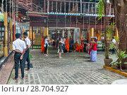 Купить «Шри-Ланка. Коломбо. Храм Гангарамая. Colombo. Sri Lanka. Temple Gangaramaya.», фото № 28704927, снято 6 апреля 2017 г. (c) Токарева Ирина / Фотобанк Лори