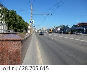 Купить «Марксистская улица, вид в сторону Таганской площади. Таганский район. Город Москва», эксклюзивное фото № 28705615, снято 26 мая 2018 г. (c) lana1501 / Фотобанк Лори