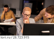 Купить «business team with computer working late at office», фото № 28723915, снято 26 ноября 2017 г. (c) Syda Productions / Фотобанк Лори