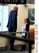 Lamar Odom makes a phone call at a medical building in Beverly Hills... (2017 год). Редакционное фото, фотограф Michael Wright / WENN.com / age Fotostock / Фотобанк Лори