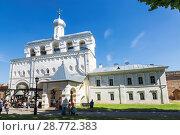 Великий Новгород, кремль, звонница (2015 год). Редакционное фото, фотограф Наталья Волкова / Фотобанк Лори