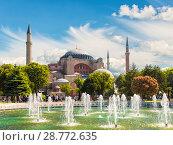 Купить «Вид на собор Святой Софии и фонтан в историческом центре Стамбула, Турция», фото № 28772635, снято 14 мая 2015 г. (c) Наталья Волкова / Фотобанк Лори