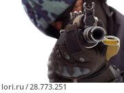 Купить «Military man holding a gun and aiming», фото № 28773251, снято 24 сентября 2015 г. (c) Александр Сергеевич / Фотобанк Лори