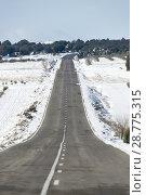 Купить «Road of Aragon with snow, Spain», фото № 28775315, снято 16 августа 2018 г. (c) age Fotostock / Фотобанк Лори
