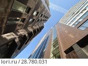 Купить «Фасад новых жилых многоэтажных домов на фоне неба», фото № 28780031, снято 23 июля 2019 г. (c) Сергеев Валерий / Фотобанк Лори