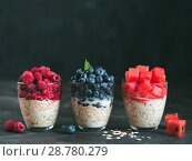 Купить «overnight oats with berries», фото № 28780279, снято 17 июля 2018 г. (c) Ольга Сергеева / Фотобанк Лори