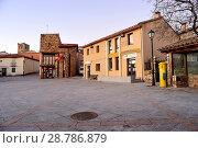 Купить «Town hall square of Braojos, Madrid, Spain.», фото № 28786879, снято 21 января 2018 г. (c) age Fotostock / Фотобанк Лори