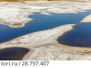 Salt on the salt lake in the city of Sol-Iletsk in the Orenburg region of Russia. Стоковое фото, фотограф Акиньшин Владимир / Фотобанк Лори