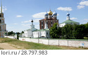 Купить «View of Assumption Cathedral with bell tower in Ryazan Kremlin, Russia», видеоролик № 28797983, снято 27 июня 2018 г. (c) Яков Филимонов / Фотобанк Лори