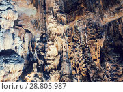 Купить «Panoramic view of chamber in Grotte des Demoiselles», фото № 28805987, снято 22 октября 2018 г. (c) Яков Филимонов / Фотобанк Лори