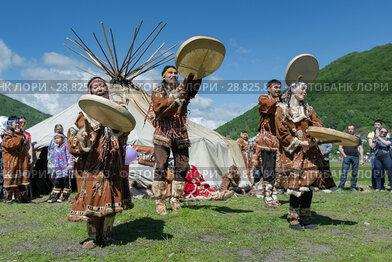 Концерт фольклорного танцевального коллектива коренных народов полуострова Камчатка